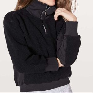 Lululemon Stand Out Sherpa 1/2 Zip size 4 black